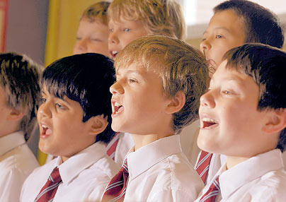boys-choir-singing-_667785c1 (1)